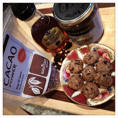 trust in kim - almond goji cacao cookies