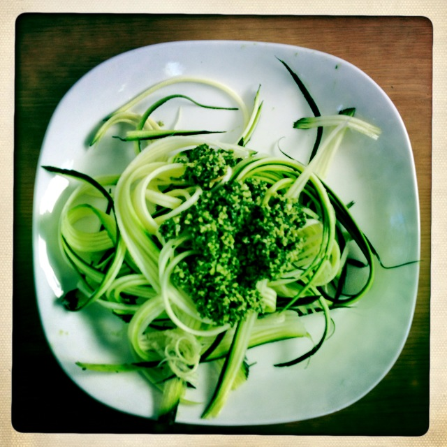 zucchini linguini and pesto - trust in kim