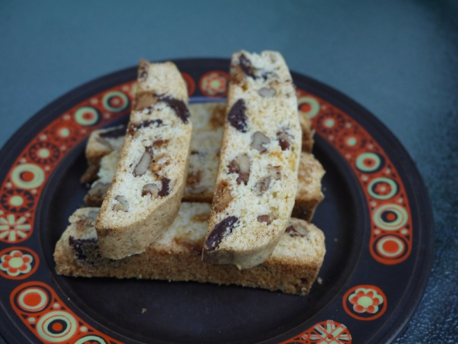pecan biscotti with dark and white chocolate - trust in kim