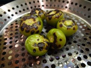 roasting tomatillos - trust in kim