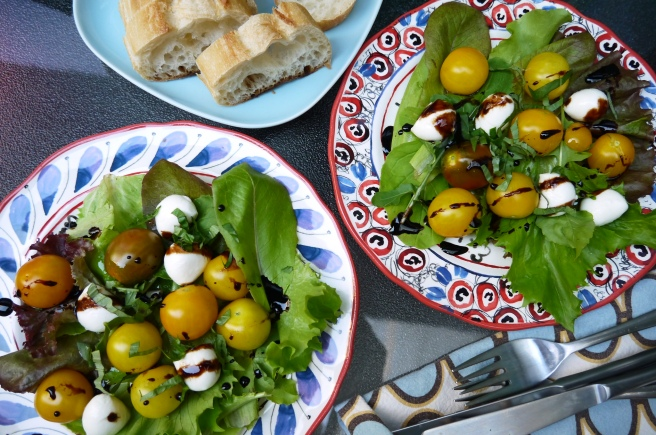 tomato and bocconcini salad - trust in kim