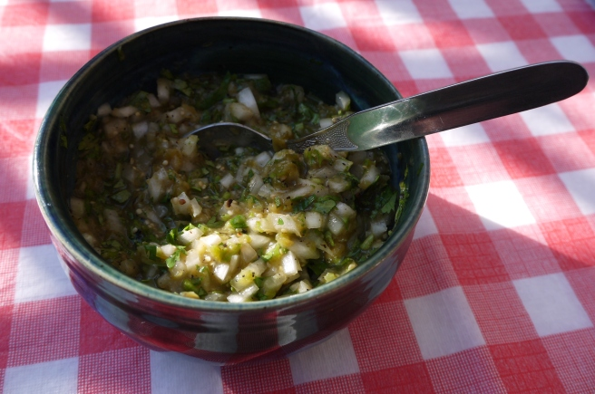 roasted tomatillo salsa - trust in kim
