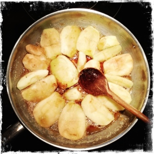 apples in caramelized sugar - trust in kim