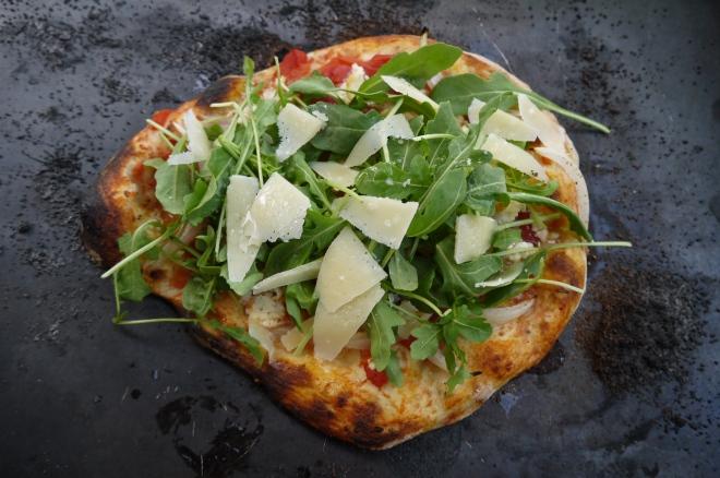 arugula and parmesan pizza - trustinkim
