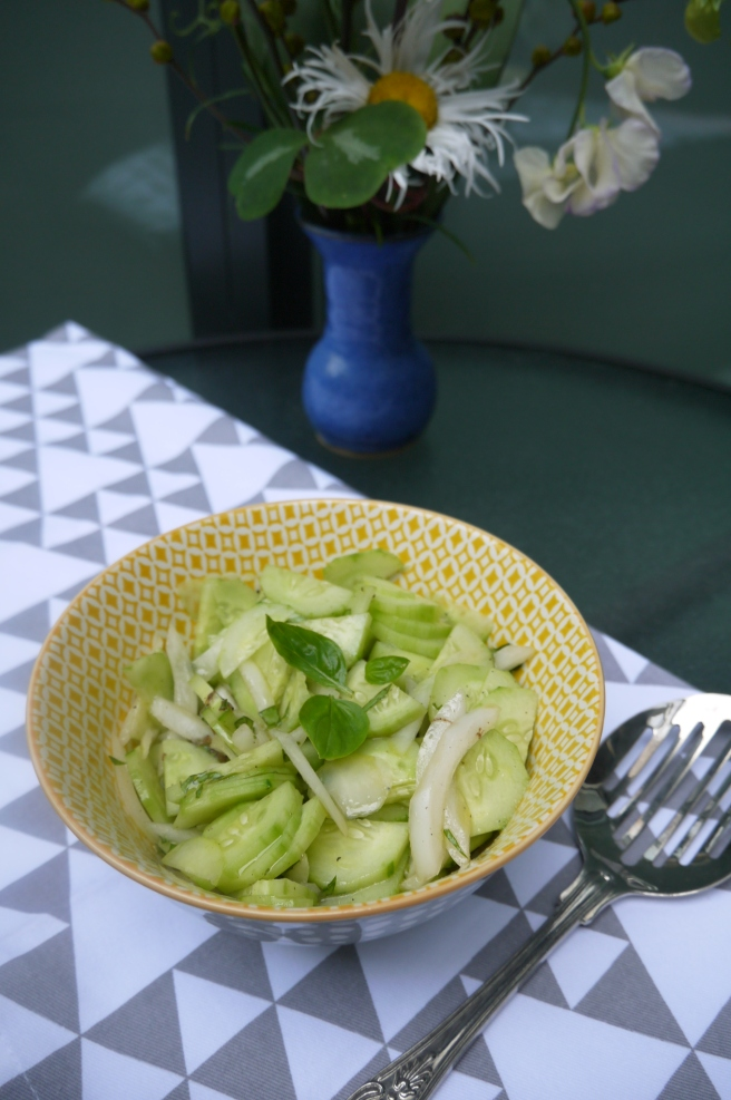 cucumber salad - trustinkim
